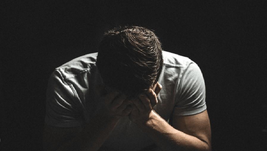Mơ thấy mình khóc một mình trong đêm báo hiệu những chuyện không vui trong thời gian tới